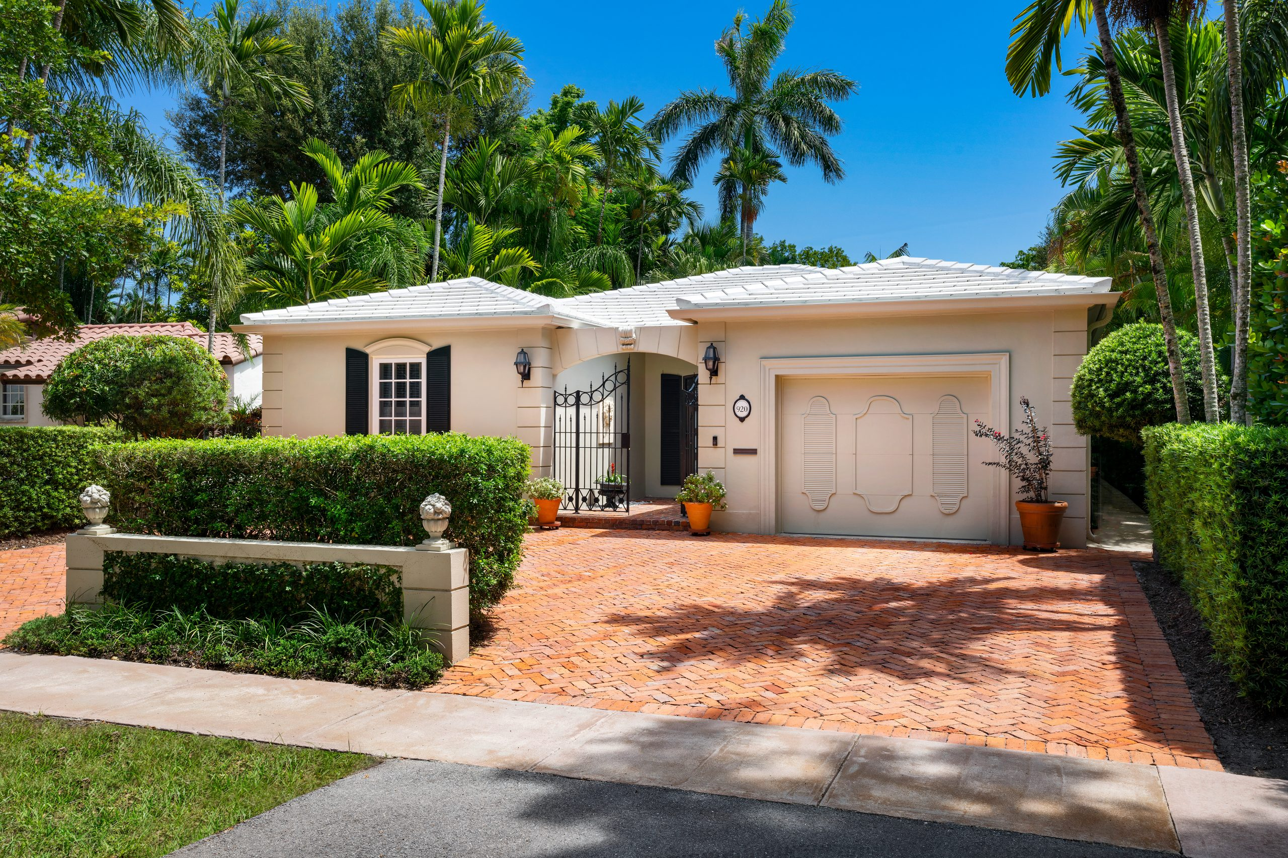 920 Andalusia Ave, Coral Gables, FL